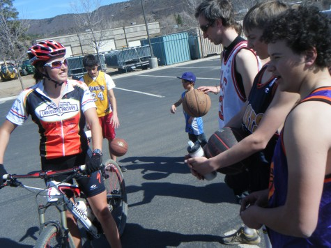 Sweet Elite's Alicia Rose swung by to show the U19 Boys her ride for 2011
