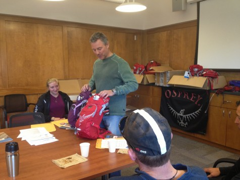 Tom Barney cruised over from Cortez to show us the Osprey packs Devo will be using for 2013. Getting better every year, these are truly the best hydration packs for shredding. Thanks to Tom and his crew for the support!